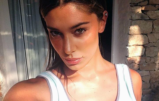 """Belen Rodriguez in pace col mondo, tranne quando si parla del video a luci rosse: """"Dolore che mi porterò nella tomba"""""""