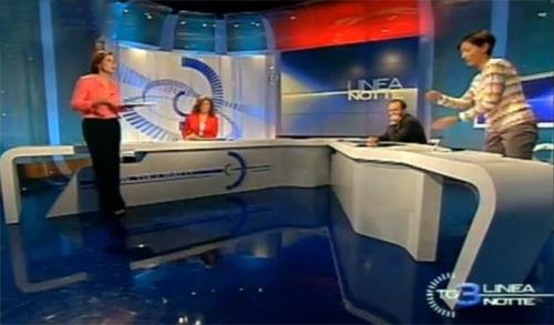 Linea Notte, scontro verbale tra Bianca Berlinguer e Mara Carfagna che lascia lo studio