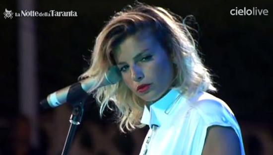 Emma Marrone arde di passione sul palco de La Notte della Taranta: quando un'artista è degna di chiamarsi tale