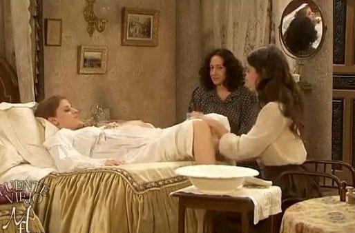 Il Segreto anticipazioni, puntata del 12 agosto: parto prematuro per Angustias