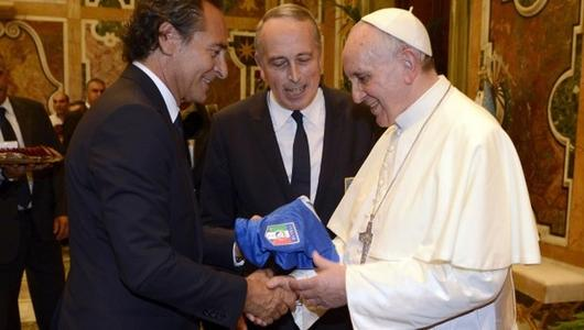 Ascolti Tv, 14 agosto 2013: Italia-Argentina per Papa Francesco a 6 mln; Donne, regole … e tanti guai! a 1,7 mln