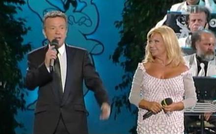 Napoli Prima e Dopo, stasera su RaiUno il galà della canzone partenopea con Pupo e Gloriana: tutti gli ospiti e i cantanti
