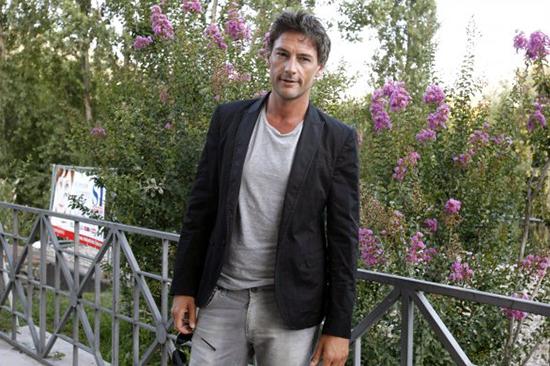 Ballando con le stelle 2013: Roberto Farnesi, dopo Le tre rose di Eva 2 ufficialmente nel cast dello show