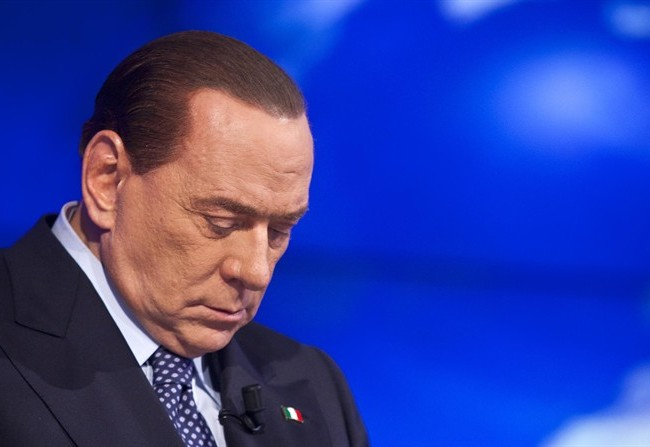 Processo Mediaset, Berlusconi condannato: i VIDEO virali, dal balletto del carabiniere alla reazione dell'Esercito di Silvio