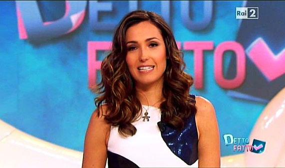 Tv Talk, puntata 11 aprile: Caterina Balivo tra gli ospiti, focus sul Karaoke di Pintus