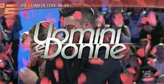 Uomini e Donne anticipazioni: riapre i battenti oggi pomeriggio su Canale 5 la trasmissione di Maria De Filippi