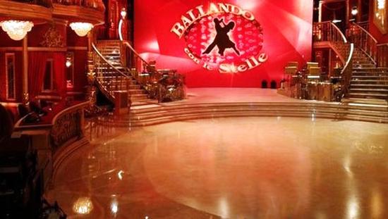 Ballando con le Stelle 9, semifinale: Flavio Insinna, Flavia Pennetta e Francesca Schiavone ballerini per una notte