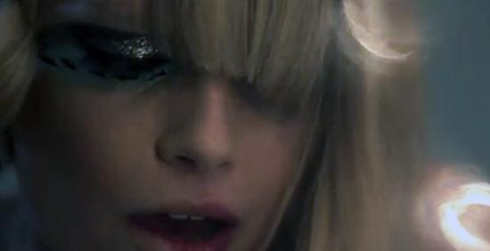 Emma Marrone: esce oggi il video ufficiale de L'amore non mi basta – VIDEO