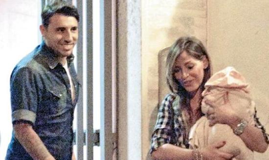 """Guendalina Tavassi mamma di Chloe e moglie felice: """"Umberto è perfetto, fosse in grado allatterebbe"""" – FOTO"""