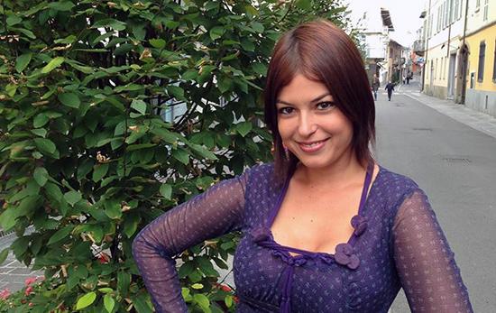 Sara Tommasi intervistata da Selvaggia Lucarelli: dalla guarigione alle scuse a Berlusconi e lo scoop di Fabrizio Corona