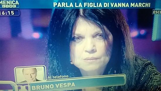 """Stefania Nobile a Domenica Live critica Bruno Vespa che interviene: """"Ha fatto il fenomeno a spese della povera gente"""""""