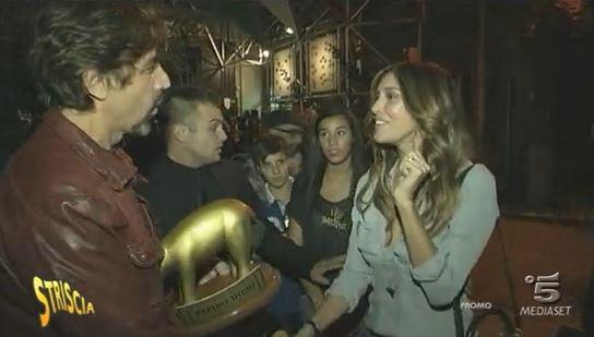 Belen Rodriguez ed il nuovo Tapiro di Striscia la Notizia – VIDEO