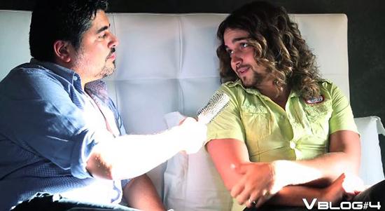Valerio Scanu e il quarto VBlog sotto le lenzuola con Belen Rodriguez: un applauso all'ironia – VIDEO