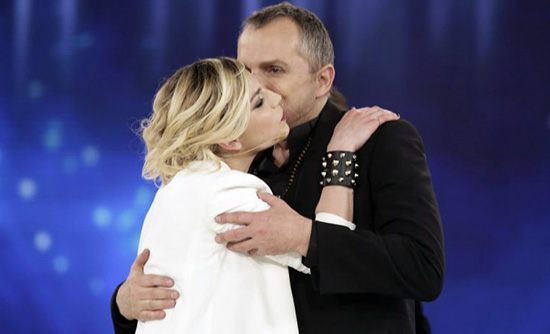 """Amici 13, riconfermato il cast; De Filippi su Emma """"La accolgo a braccia aperte"""". Bosè porta il talent in Spagna e Messico"""