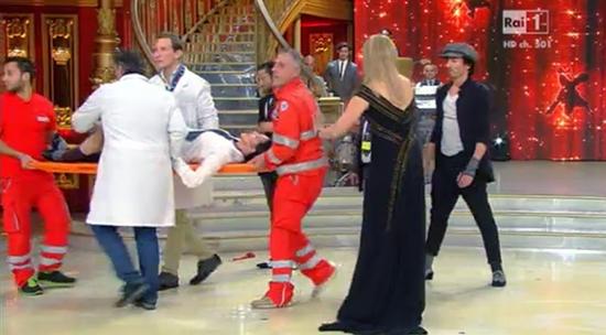 Ballando con le stelle 9: Milly Carlucci risponde al Codacons riguardo l'incidente di Anna Oxa