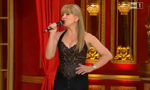 Ascolti Tv, 23 novembre 2013: Ballando con le stelle 9 a 4,7 mln; Io Canto e poi… a 1,6 mln