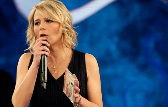 """Maria De Filippi, 52 anni e 20 trascorsi in Mediaset: """"Mi ha telefonato Cairo, non ho nulla contro La7"""""""