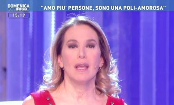Barbara d'Urso e la sua Domenica Live a luci rosse: arrivano le scuse della conduttrice