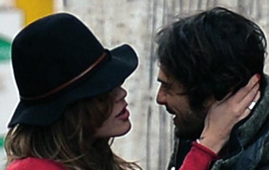 """E' vero amore tra Marco Bocci e Laura Chiatti? """"Io questo me lo sposo…"""" – FOTO"""