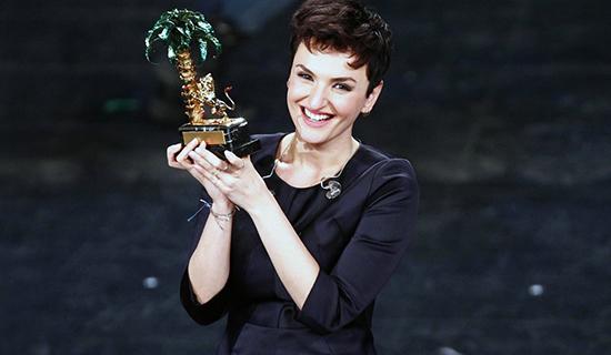 Domenica In, anticipazioni 23 febbraio 2014: speciale Sanremo, Mara Venier conduce con Belen Rodriguez
