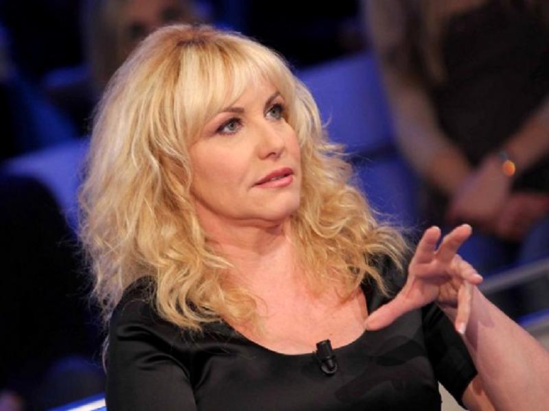 """Antonella Clerici di nuovo a Sanremo? """"Potrebbe essere il turno di Carlo Conti"""""""