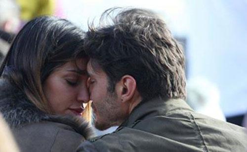 Verissimo, oggi su Canale 5: da Costantino Vitagliano a Belen Rodriguez e Stefano De Martino, tutti i protagonisti