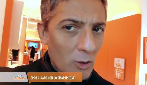 Fiorello torna a casa dopo l'incidente, Fabrizio Frizzi pubblica un video su Twitter a lui dedicato