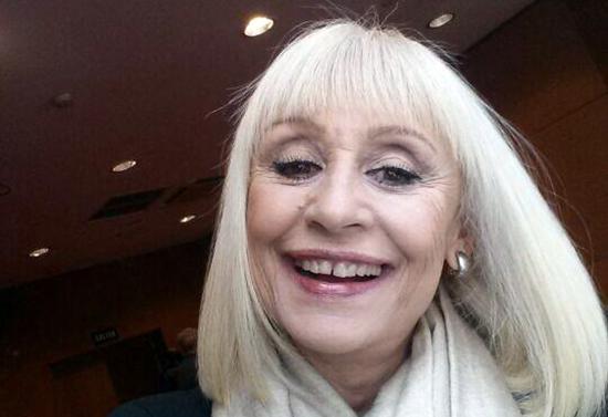 Raffaella Carrà: approdo boom su Twitter con un selfie in attesa di The Voice of Italy 2
