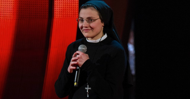 """The Voice 2, Suor Cristina smentisce il provino organizzato: """"J-Ax? Altro che diavolo!"""""""