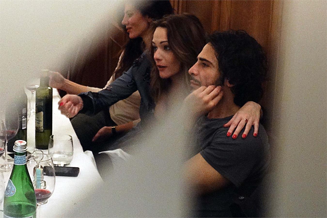 Laura Chiatti e Marco Bocci: amore riparatore? Ecco le prime foto del pancino