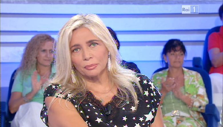 """Mara Venier in pausa dopo Domenica In. Giudice ad Amici di Maria De Filippi? """"Chissà…"""""""