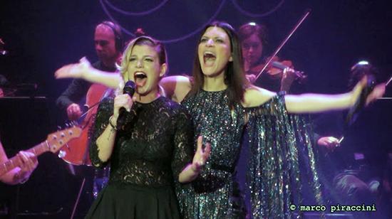 Laura Pausini regina di Facebook: settima Emma Marrone seconda cantante donna dopo la Pausini
