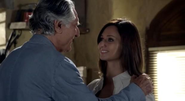 Anna Safroncik con Lando Buzzanca ne Il Restauratore 2 e anticipazioni su Le tre rose di Eva