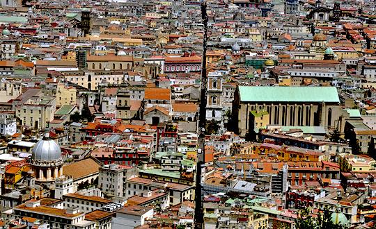 I Dieci Comandamenti – Speciale Spaccanapoli: un viaggio sulla storia, la vita e le speranze di Napoli