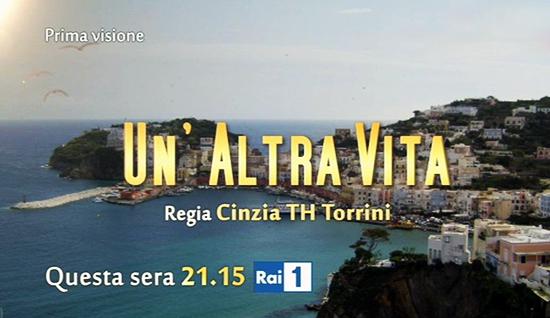 Un'altra vita, le anticipazioni di martedì 30 settembre 2014: Pietro arriva a Ponza per riprendersi Emma