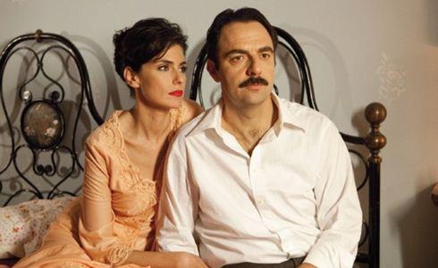 Questo nostro amore '70, da stasera su RaiUno con Anna Valle e Neri Marcorè