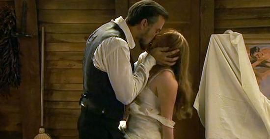 Anticipazioni Il Segreto, puntata del 24 ottobre 2014: Pia vuole passare la notte con Olmo