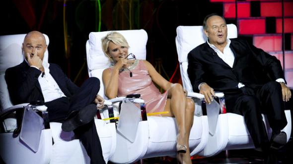 Ascolti Tv, 11 ottobre 2014: Tu si que vales a 4,5 mln; Volley Italia-Cina a 4,4 mln; Ballando con le stelle 10 a 4,1 mln