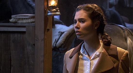 Il Segreto, anticipazioni puntata 26 novembre 2014: Maria aggredita nella scuderia