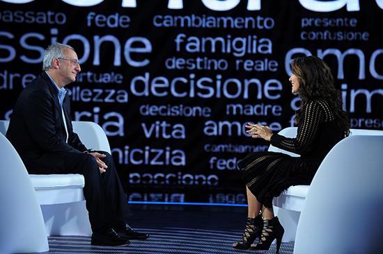 Contratto, il talk show condotto da Sabrina Ferilli, da stasera su Agon Channel: anticipazioni e ospite