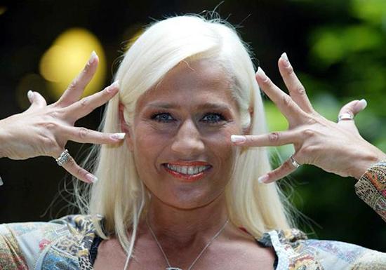 Heather Parisi: 'Basta una calunnia per macchiare anni di carriera' e il no ad Amici e Forte forte forte