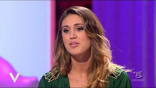 Isola dei Famosi 2015 e il giallo di Cecilia Rodriguez: perché non compare tra i concorrenti ufficiali?