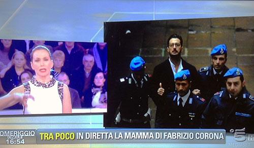 """Barbara d'Urso, le novità su Fabrizio Corona a Pomeriggio Cinque: """"Sto male"""""""