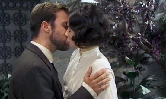 Anticipazioni Il Segreto, breve puntata serale domenica 18 gennaio 2015: Fernando chiede a Maria di sposarlo