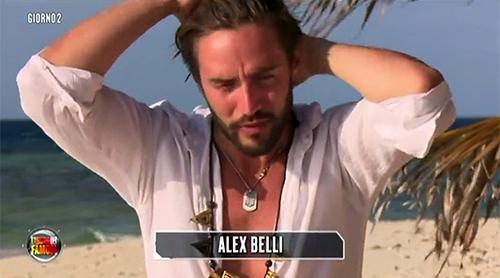 Isola dei Famosi 2015: Alex Belli cura Fanny Neguesha, la moglie paparazzata con un suo sosia – FOTO