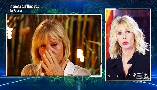 Isola dei Famosi 2015: Catherine Spaak lascia il reality dopo lo shock, ha raccontato tutta la verità?