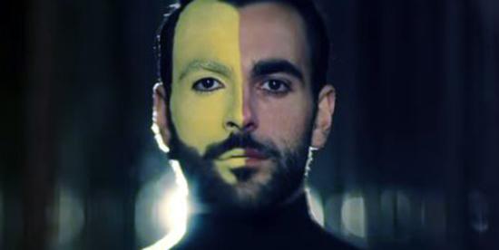 Marco Mengoni parla del nuovo singolo, Esseri Umani: 'Volevo mostrare la bellezza delle diversità'
