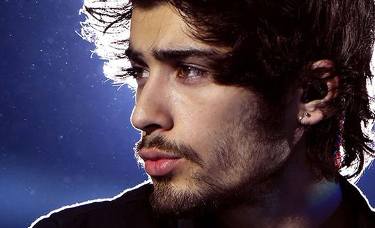 Zayn Malik lascia gli One Direction per stress? Ecco il suo primo singolo da solista e la rabbia dei fan
