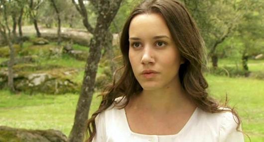 """Il Segreto, l'attrice Ariadna Gaya commenta il suo personaggio Aurora Castro: """"Ecco perché è simile a Pepa"""""""