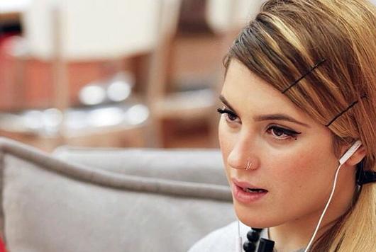 Serale Amici 2015, puntata del 25 aprile: Paola Marotta eliminata tra le lacrime di Elisa che lascia lo studio